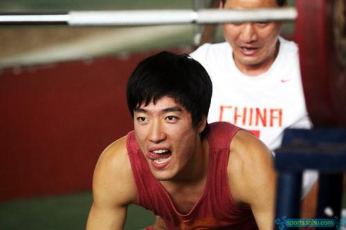 刘翔/北京时间2008年9月24日,在上海莘庄基地,刘翔首次对媒体公开...