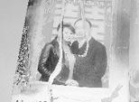 照片中是佘静和她的丈夫