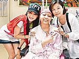 组图:张柏芝为癌童筹善款