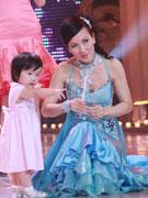 """舞林大会""""小青""""陈美琪和女儿"""